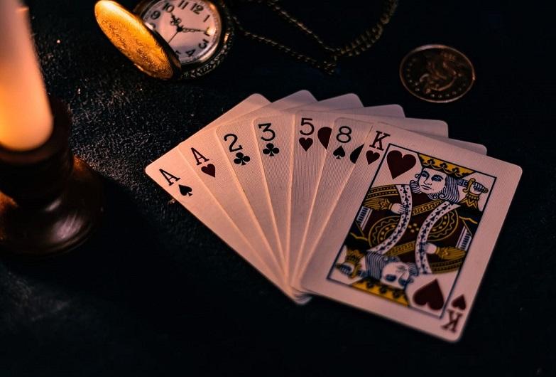 blackjack, online poker, casinos